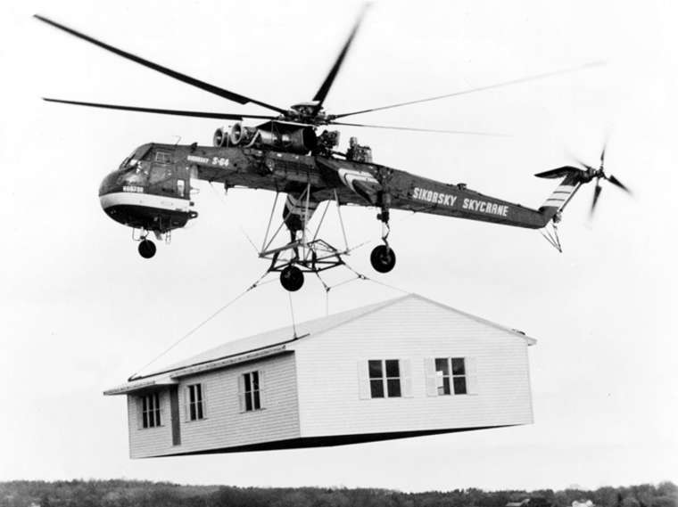 A House for the Wazungu cover.helicopter